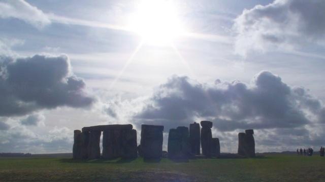 Co mówi Stonehenge?